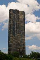Lake Point Tower (condos)