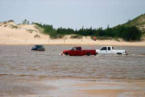 Jeeping in the dune lake