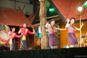 Traditional Thai dancers