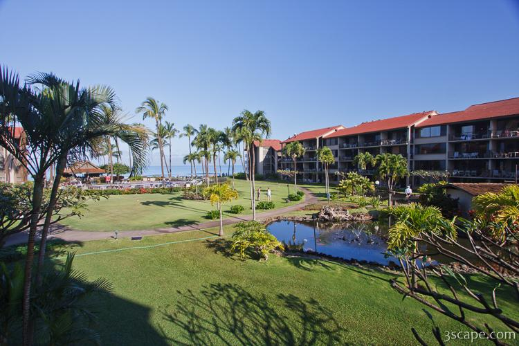 Papakea Resort grounds with view of the ocean