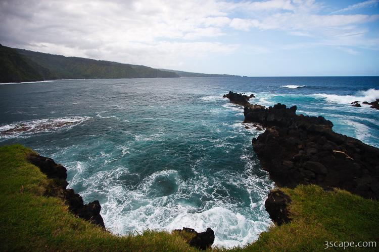 Honolulunui Bay Near Nahiku Maui Photograph Landscape