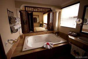Jacuzzi in our suite at Melia Caribe