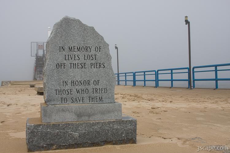 Memorial to those that died on this pier