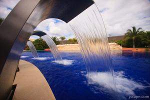 Fountains into the pool