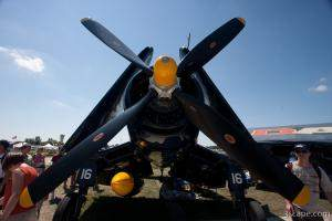 1945 Vought F4U-4 Corsair N713JT