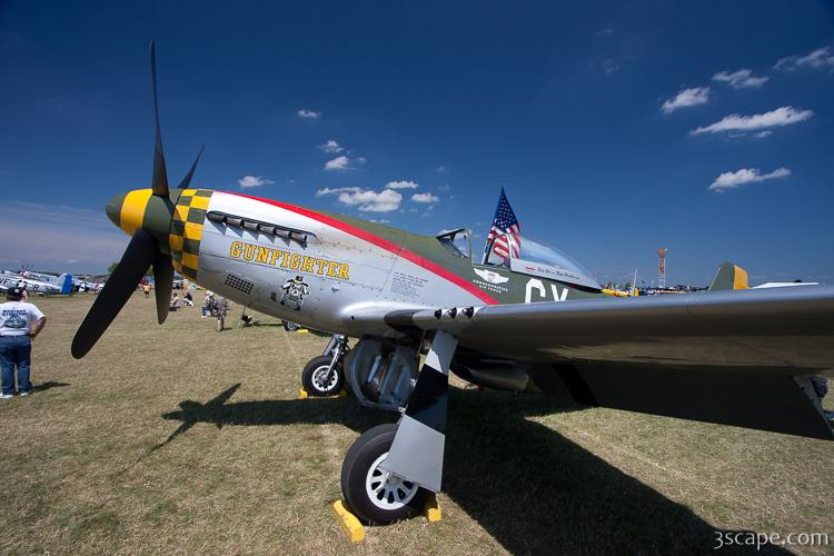 North American P-51D Mustang - Gunfighter N5428V