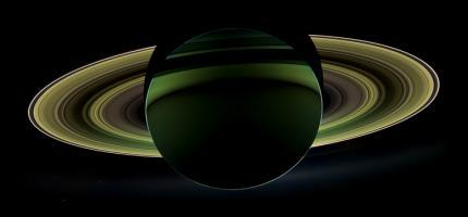 Saturns Glowing Rings
