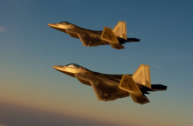 F-22A Raptors in formation