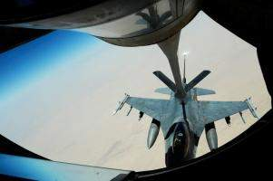 F-16 Falcon getting refueled
